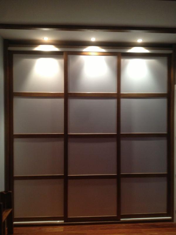 Trabajos de muebles zure tienda muebles en durango - Armario blanco puertas correderas ...
