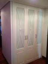 Armarios puertas batientes con cristal 2